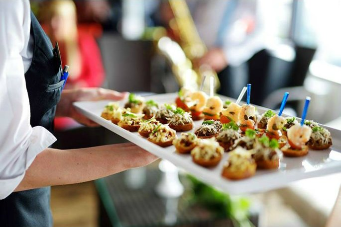 7 Stages in Choosing the right Caterer For The Wedding